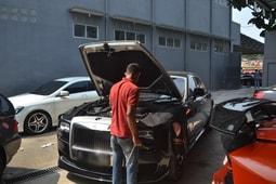 Bengkel Rolls Royce